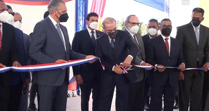 Video | Presidente Medina inaugura varias obras en La Vega