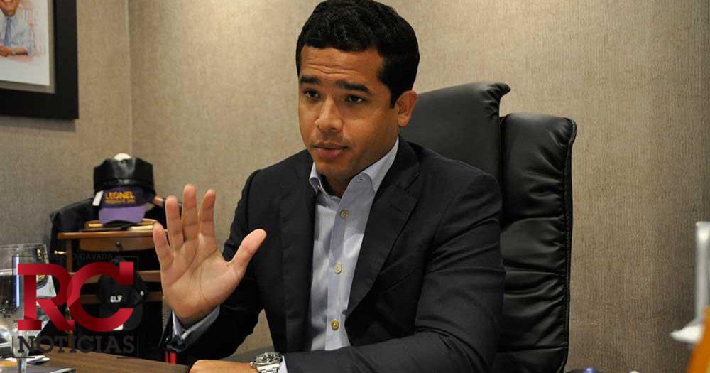 Omar Fernández dice el problema de algunos es que descuidan lo que tienen, por pensar en lo que viene