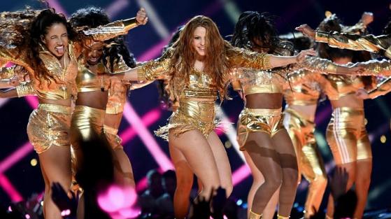 Shakira subasta la chamarra que usó en el Super Bowl: fondos contribuirán a acabar con el hambre