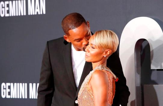 Tras admitir que un joven rapero fue su amante, Jada aceptó la invitación de su esposo Will Smith y se fueron a un resort de lujo en las Bahamas