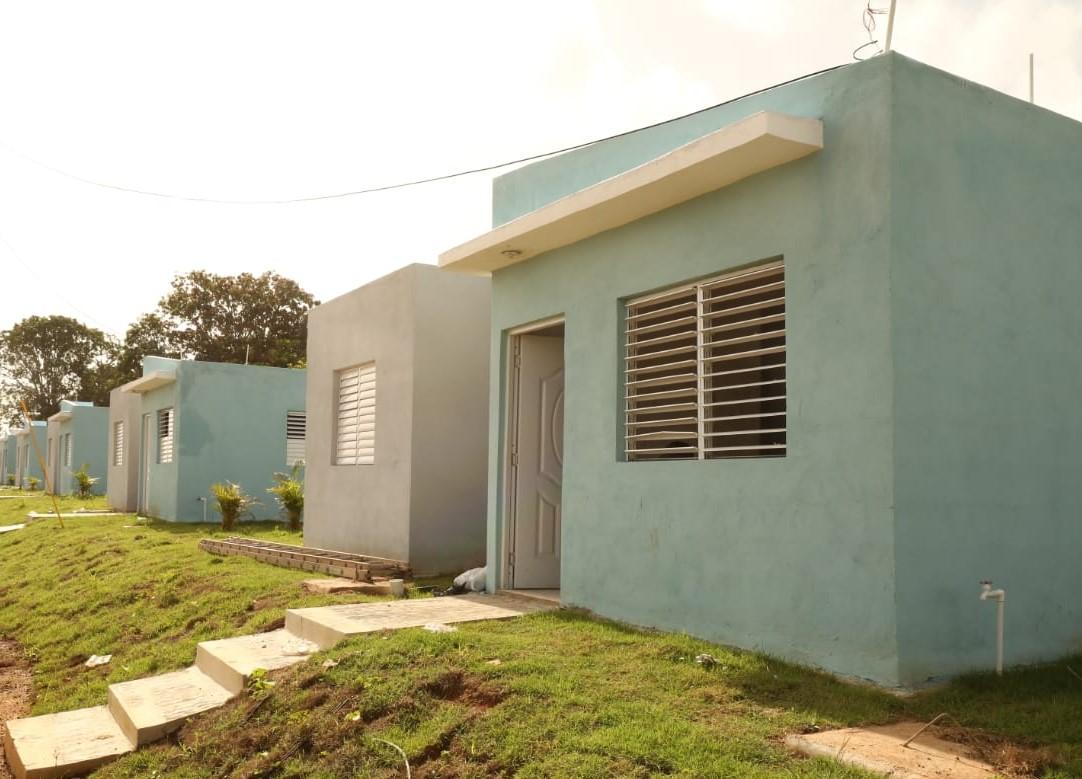 Inicia entrega de 33 viviendas a familias reubicadas en Guerra donde se construyó La Nueva Victoria