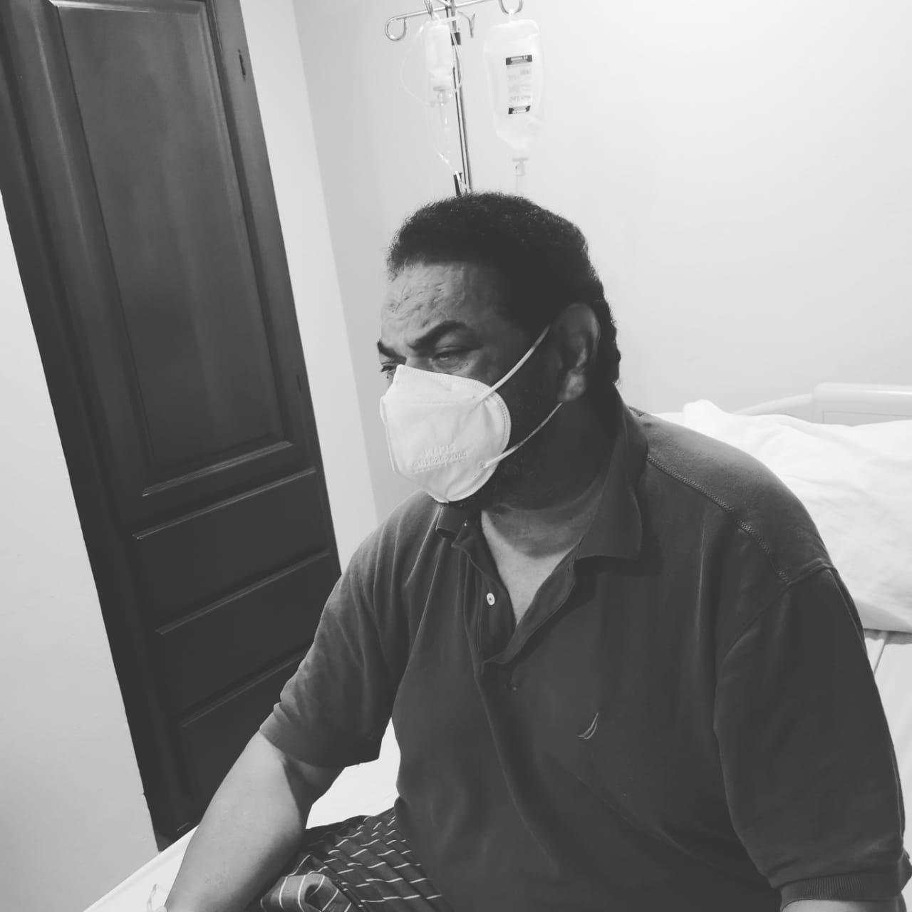Jack Veneno hospitalizado tras sufrir fuerte dolor en el vientre
