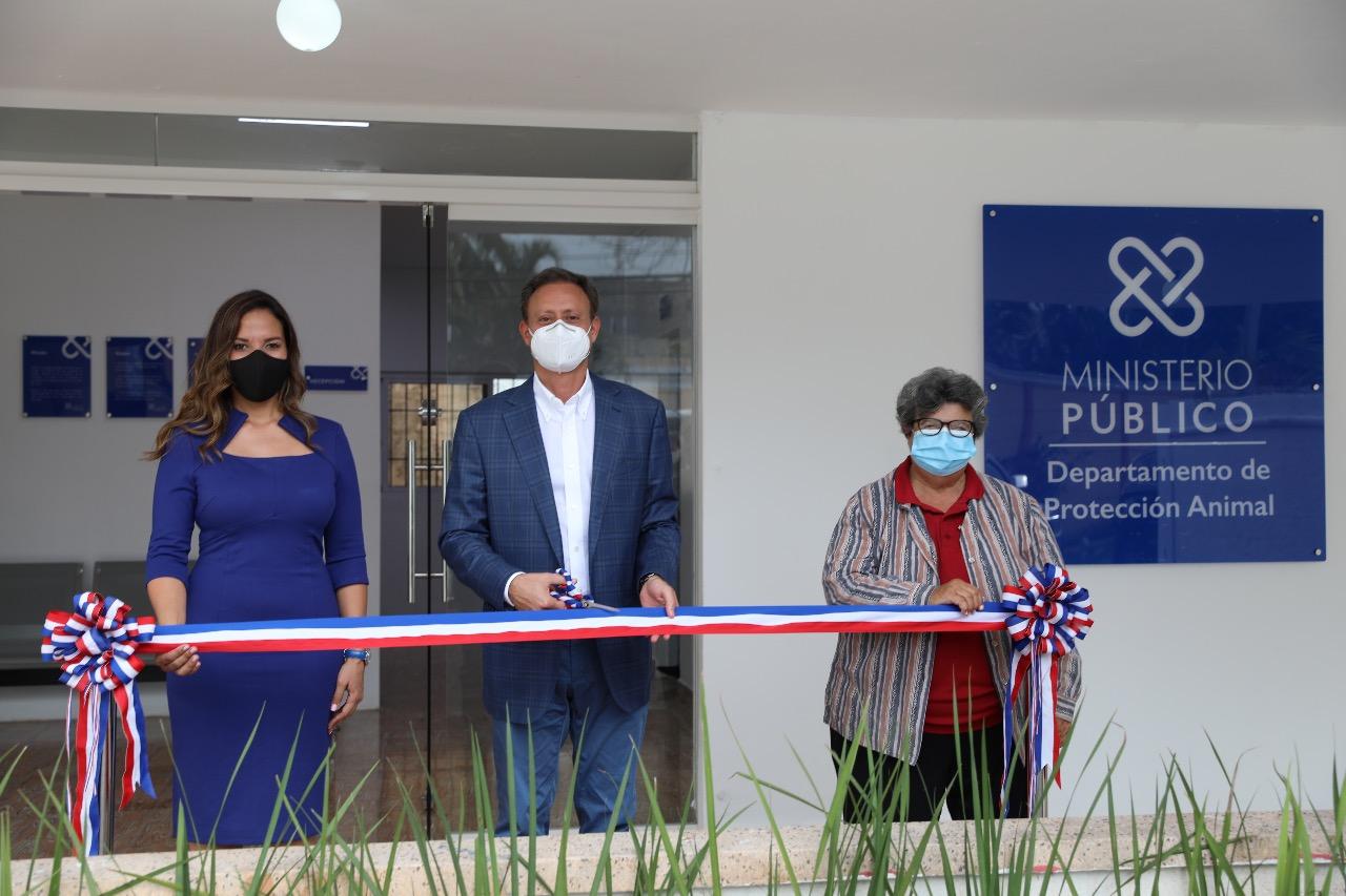 Jean Rodríguez inaugura primer Centro de Atención al Ciudadano del Departamento de Protección Animal