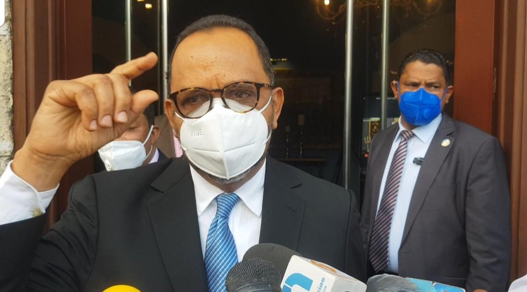 Antoliano Peralta aclara posible modificación a la Constitución