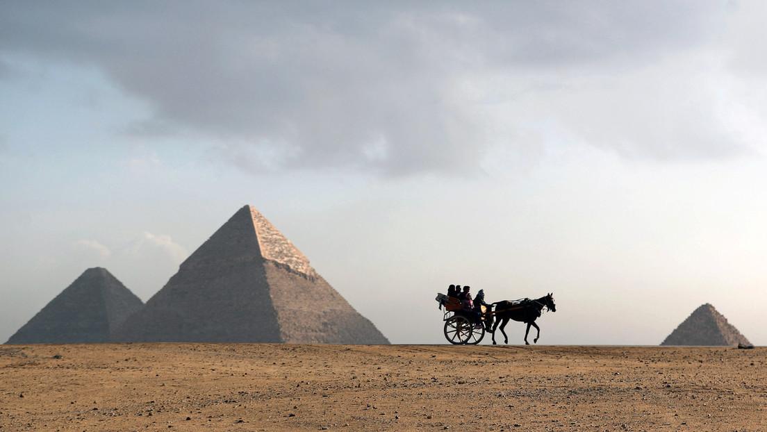 Musk afirma que las pirámides de Egipto fueron construidas por alienígenas y el Gobierno le responde