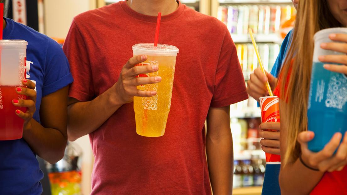 Oaxaca, primer estado en México que prohíbe la venta de bebidas gaseosas y de comida basura a menores de edad