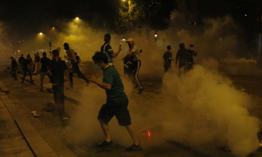 Videos | Enfrentamientos, vandalismo y saqueos en París tras la derrota del PSG en la final de la Champions