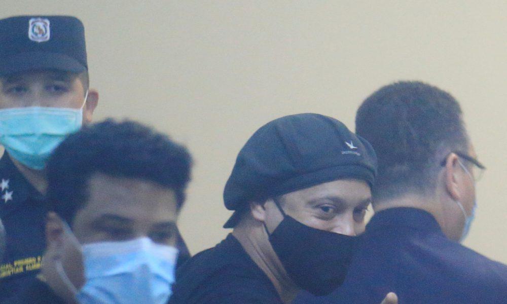 Ronaldinho recupera su libertad tras pasar 171 días preso en Paraguay