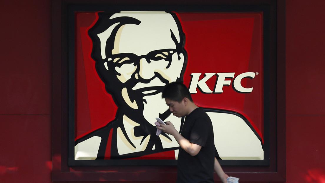 KFC retira su eslogan de más de 60 años por ser inapropiado en tiempos de coronavirus
