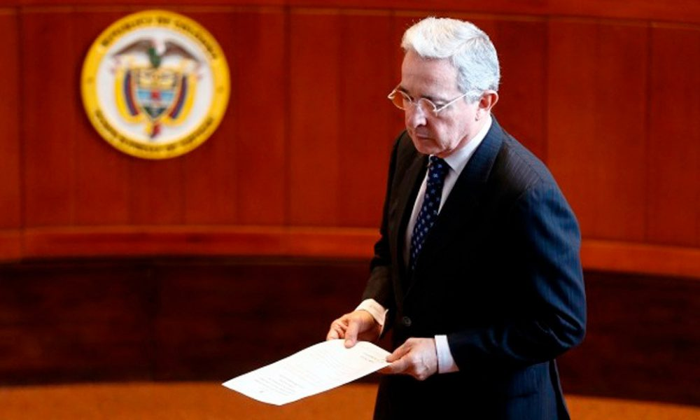 Procuraduría de Colombia solicita envío de caso expresidente Uribe a Fiscalía
