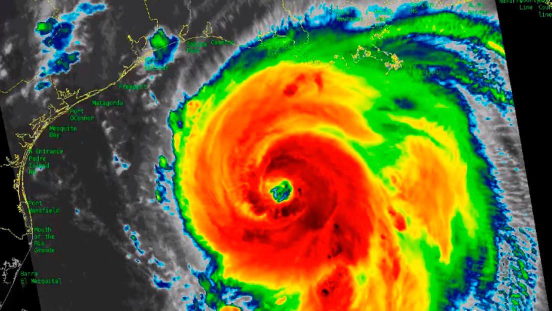 El huracán Laura gana fuerza hacia la categoría 4 en su avance a EE.UU.