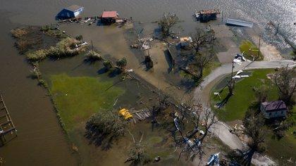 El huracán Laura se degradó a depresión tropical en su paso por Arkansas
