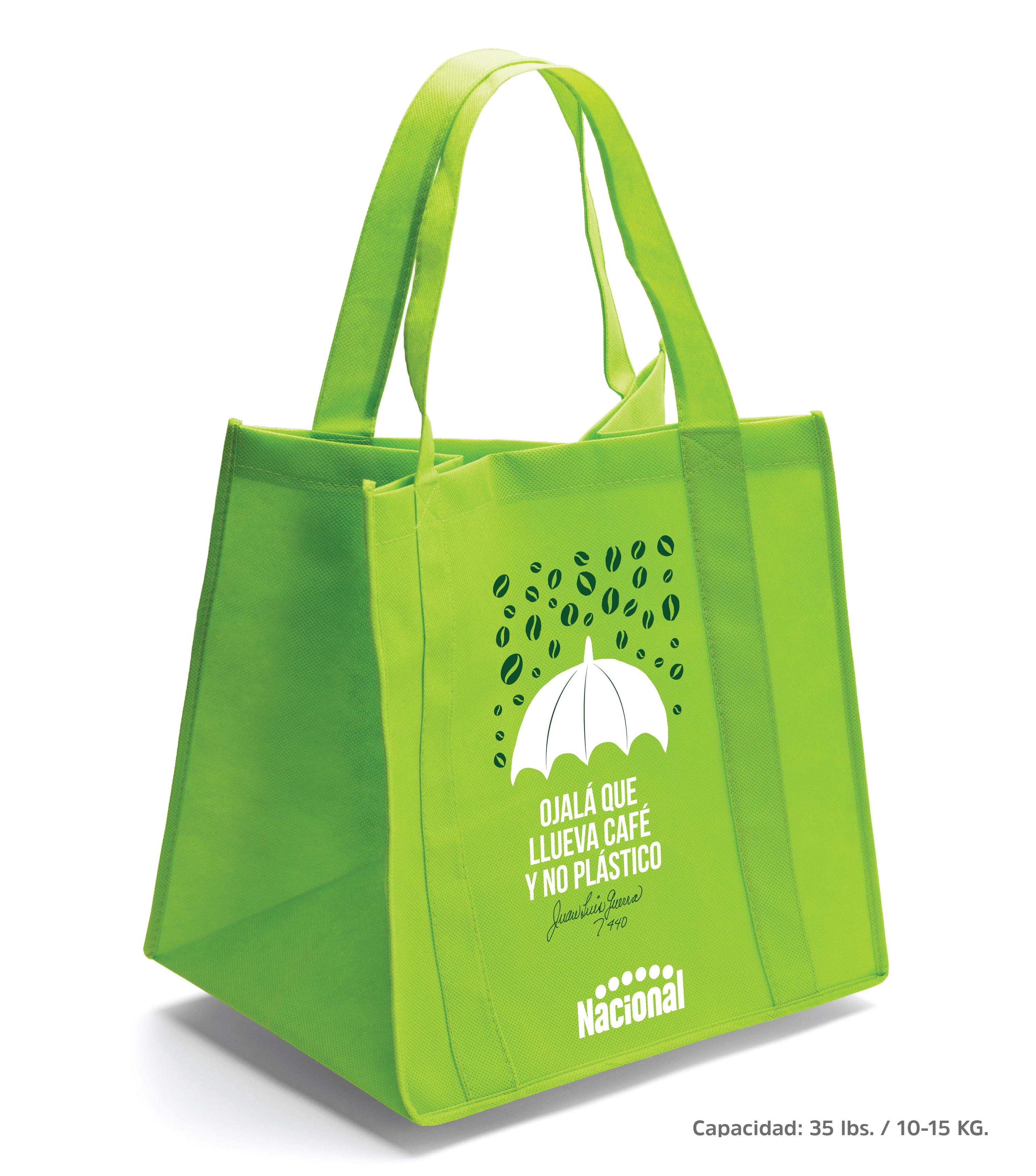 Supermercados Nacional lanza nueva edición limitada de bolsas reusables de Juan Luis Guerra