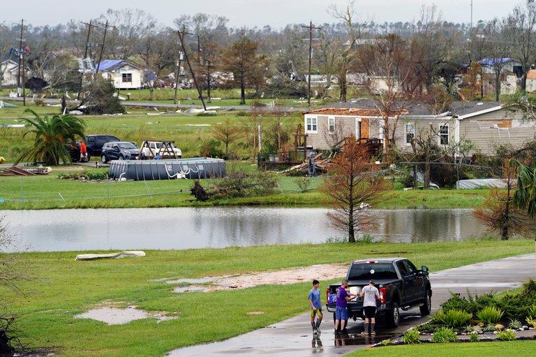 El huracán Laura dejó 15 muertos y miles de personas sin electricidad en Estados Unidos