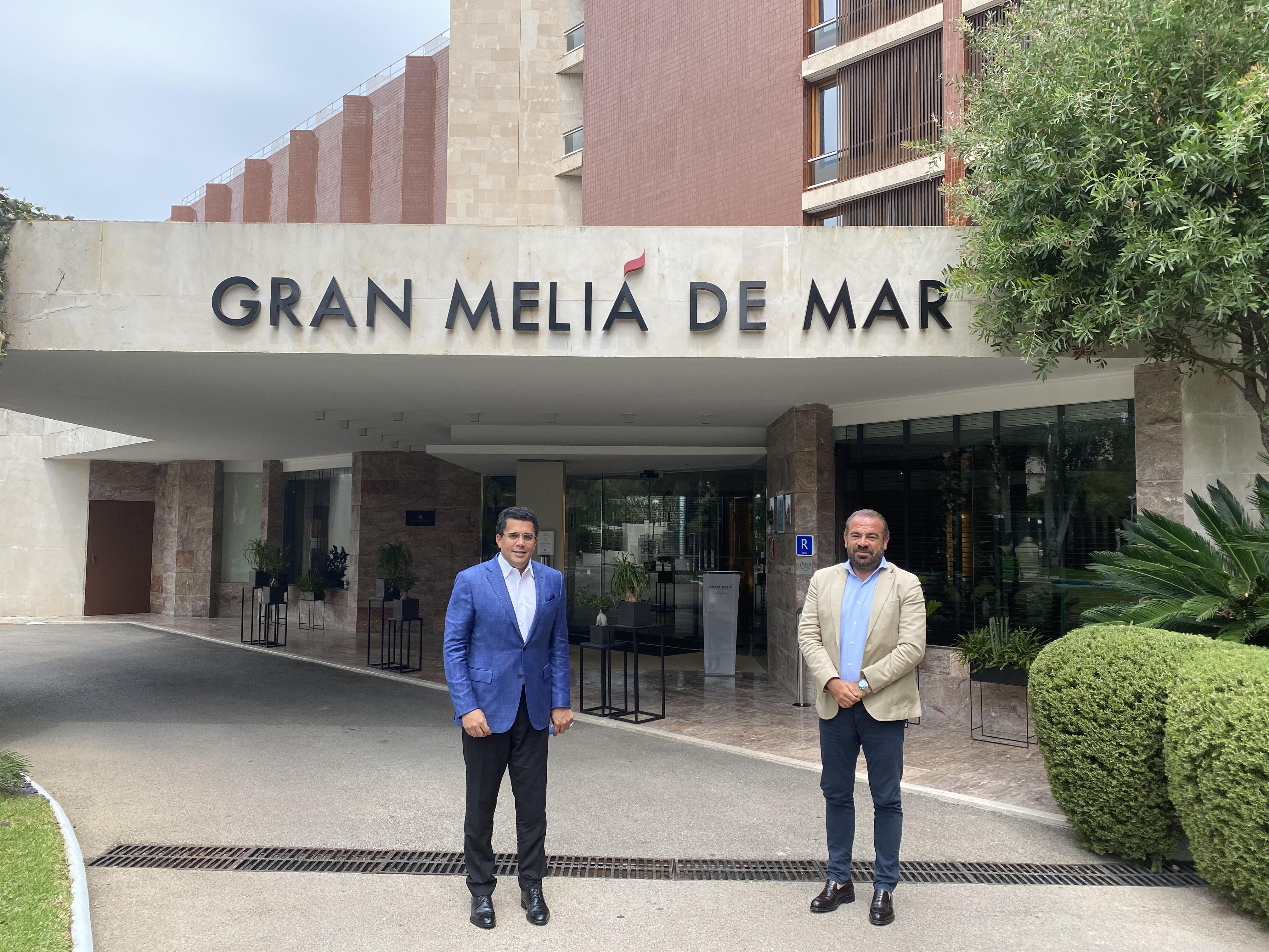 Collado se reúne en España con cadenas hoteleras para reapertura del turismo dominicano