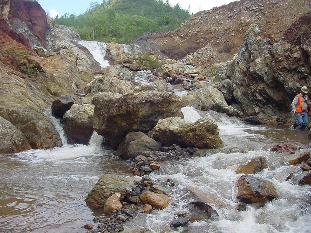 Falcondo afirma garantiza cantidad y calidad de agua en sus operaciones