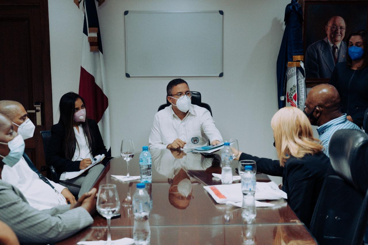 Nuevo director de Autoridad Portuaria se reúne con trabajadores para construir soluciones