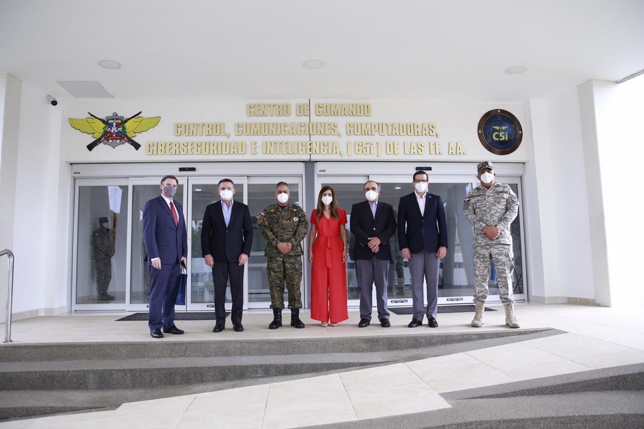 Empresarios del CONEP visitan al Ministerio de Defensa