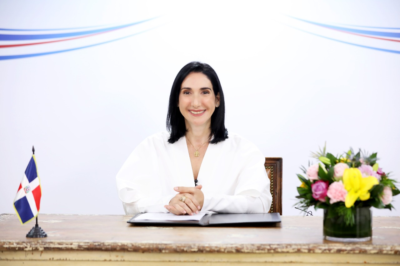 Raquel Arbaje destaca en cumbre virtual que Gobierno beneficiará a mujeres rurales en medio de pandemia