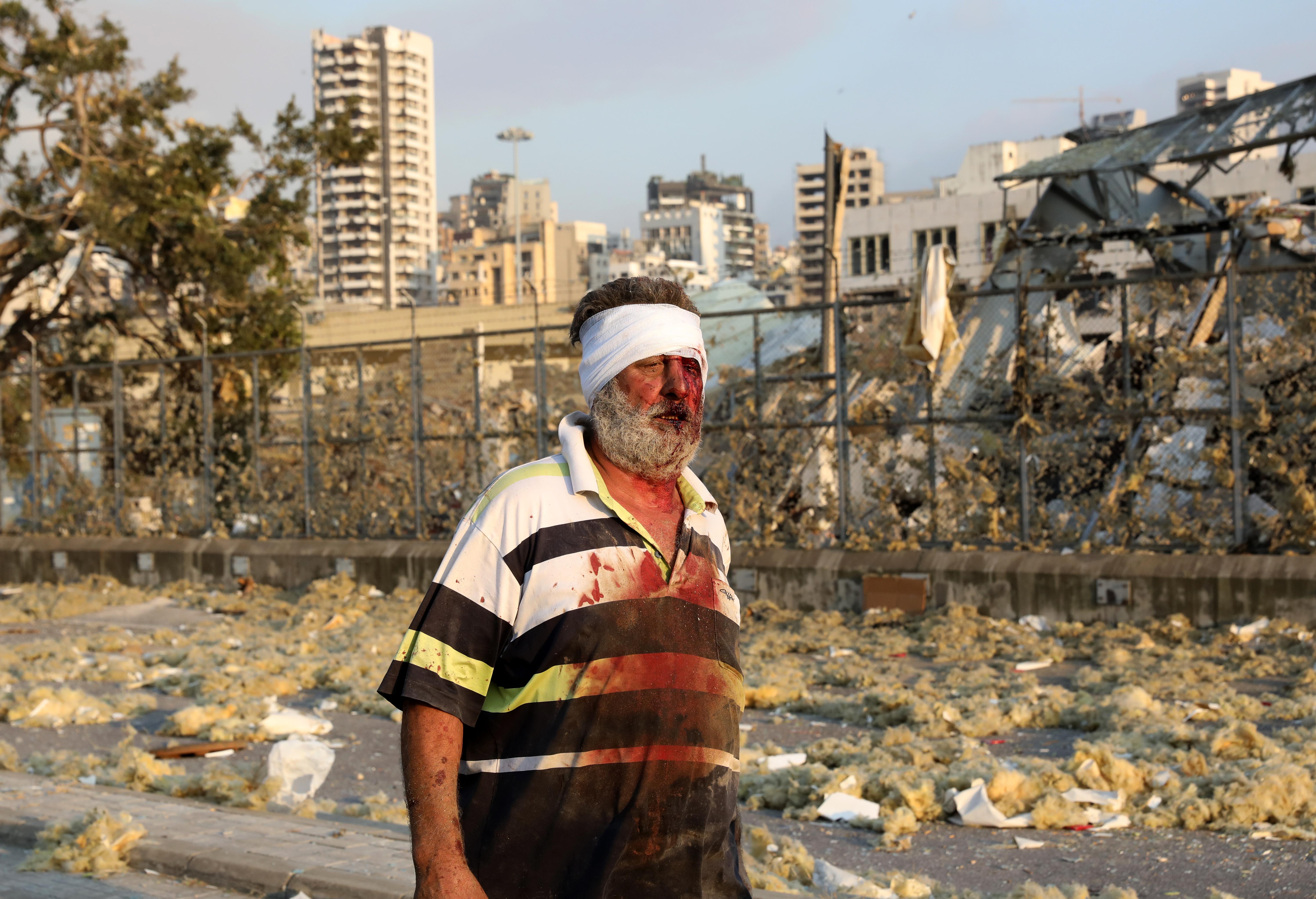 Las fotos del estallido en los depósitos del puerto de Beirut
