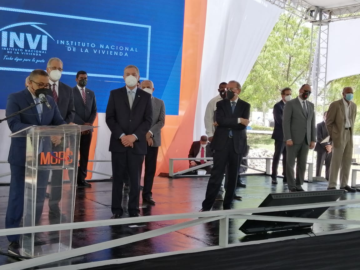 Presidente Medina inaugura la reconstruida y ampliada carretera Azua-Barahona