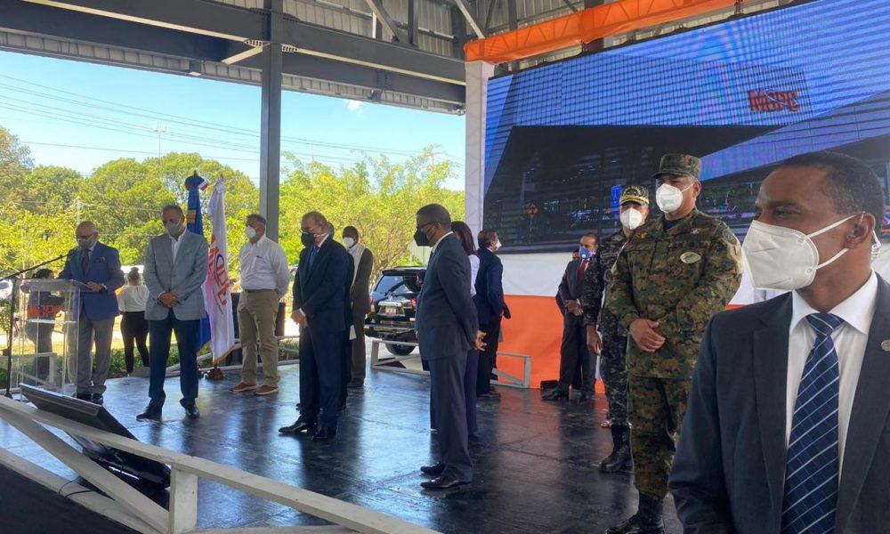 Videos | Danilo inauguró Terminal Interurbana de Autobuses SDE en medio de protestas