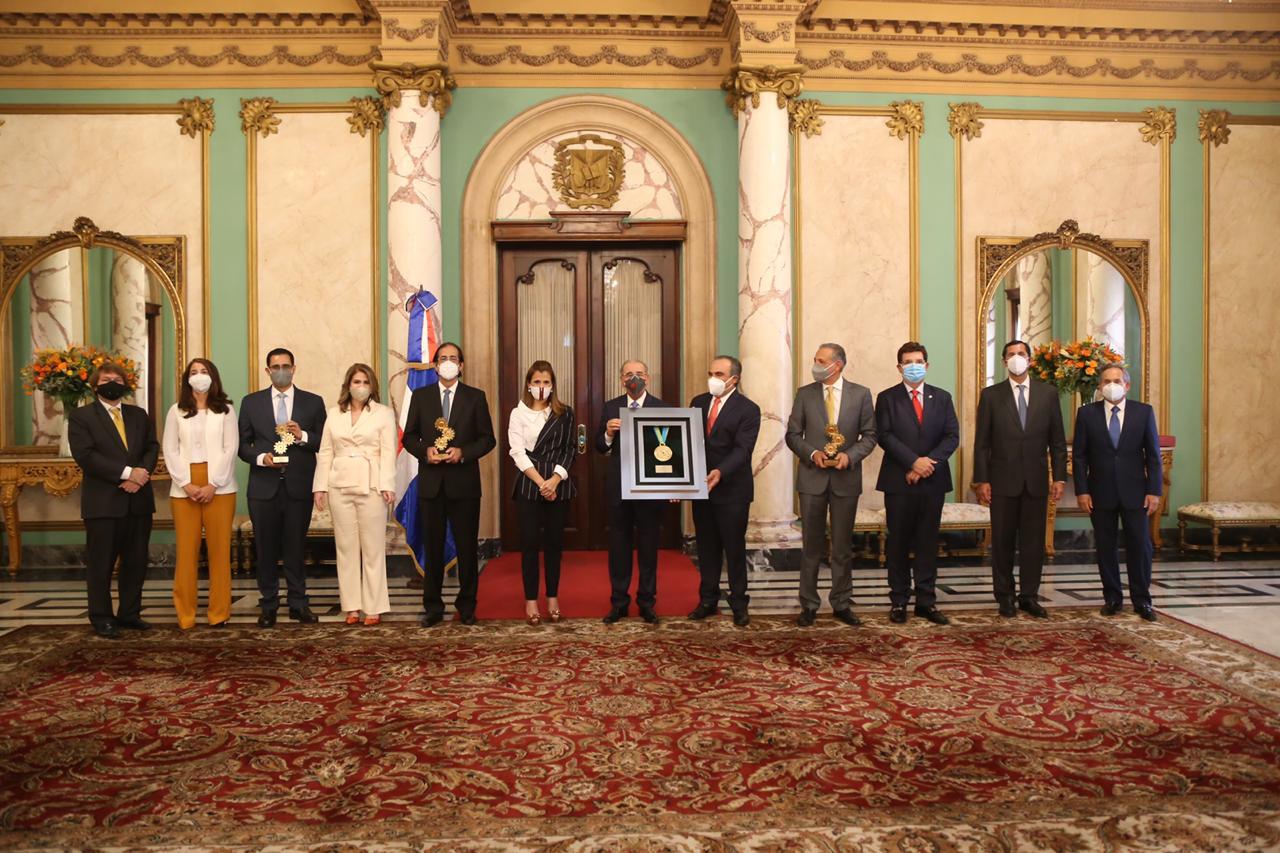 AIRD reconoce política de puertas abiertas del presidente Medina