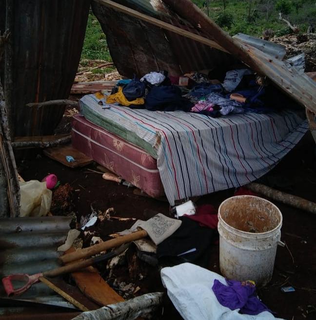 Comunitarios denuncian continúan desalojos de forma violenta en Santo Domingo Este