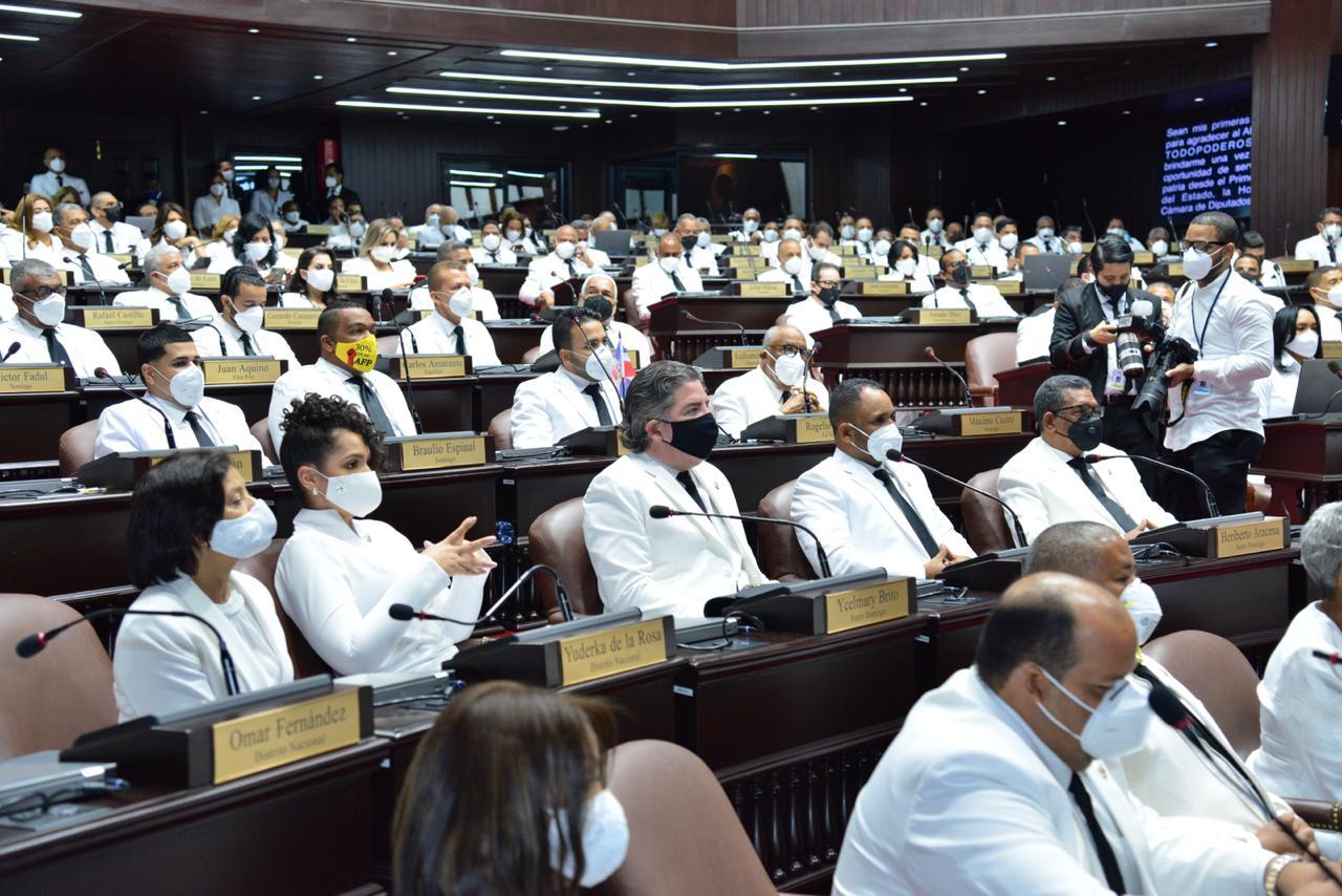 Fuerza del Pueblo presenta bloques legislativos como segunda fuerza del Senado y tercera en CD