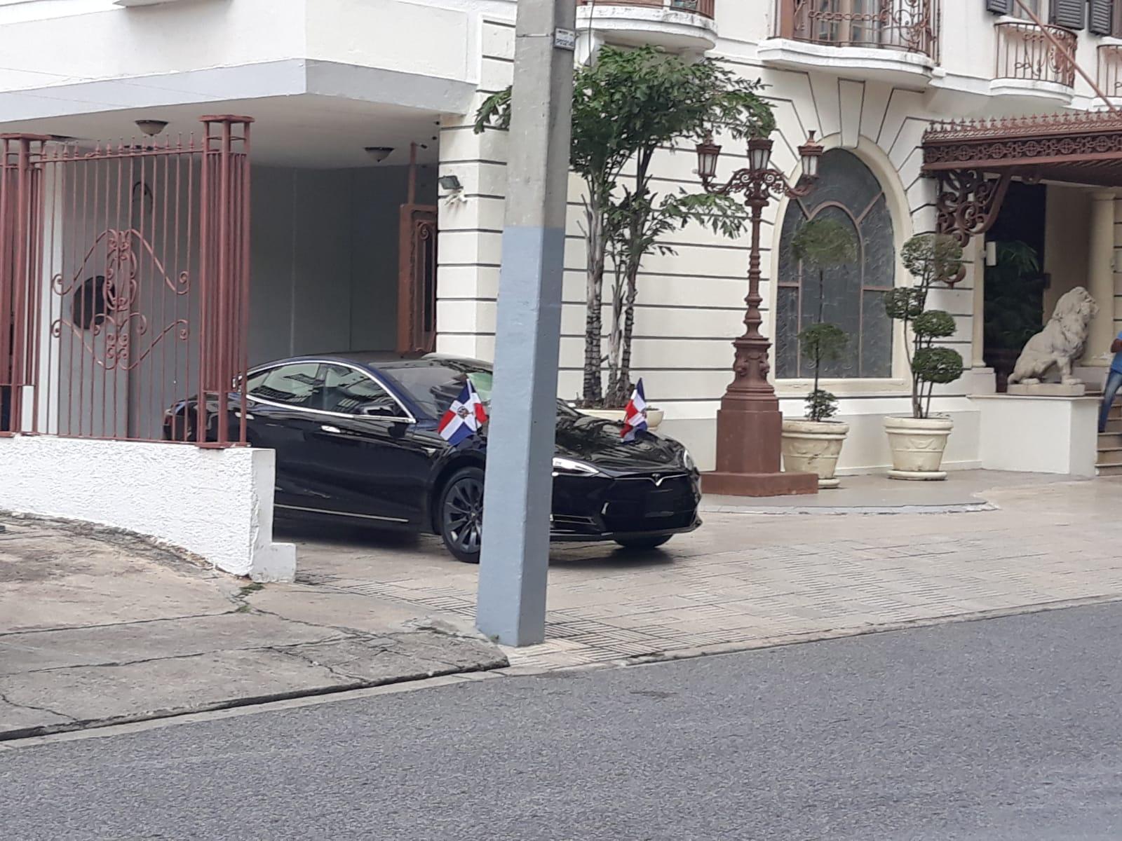 Video | Pasadas las 10 a.m. Abinader no ha llegado a Palacio Nacional