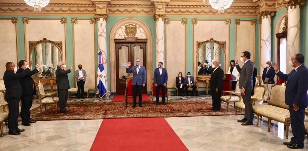 Presidente Luis Abinader juramenta Directorio Bagricola