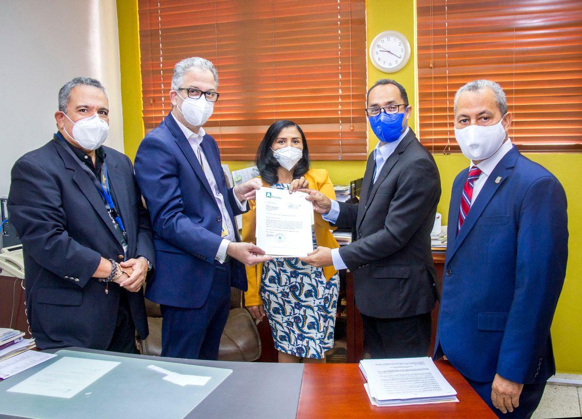AlPaís entrega informe de gastos a Junta Central Electoral