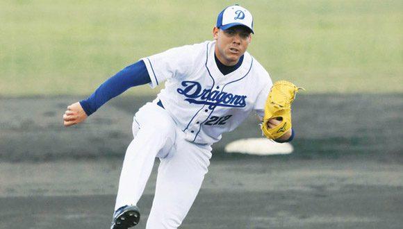 Lanzador cubano Yariel Rodríguez sube al róster principal de su equipo en Japón