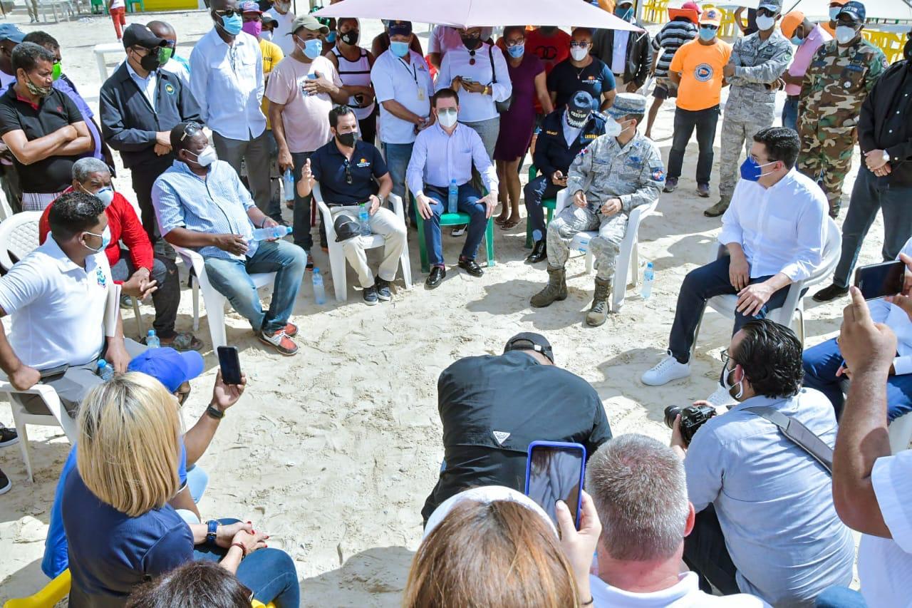 Video | Collado se reúne con autoridades de playas para escuchar inquietudes