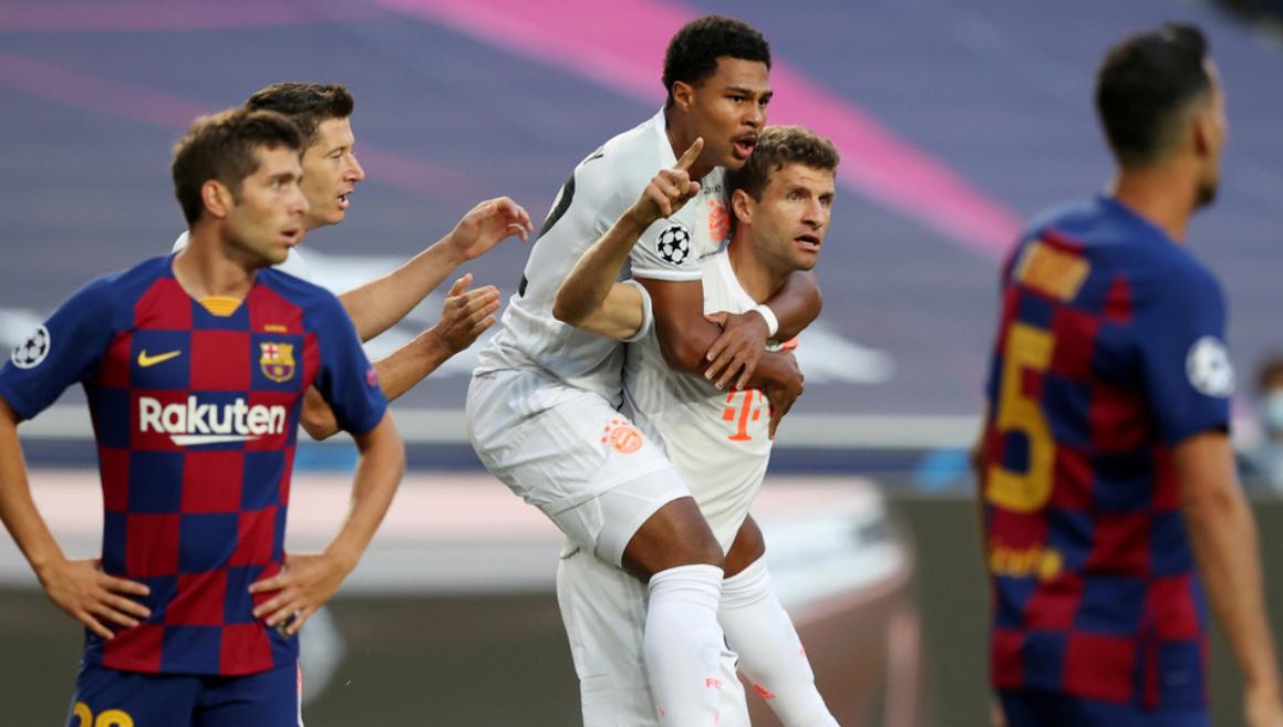 El Barça recibe ocho goles por primera vez en 74 años y la Red no tarda en burlarse de la defensa azulgrana