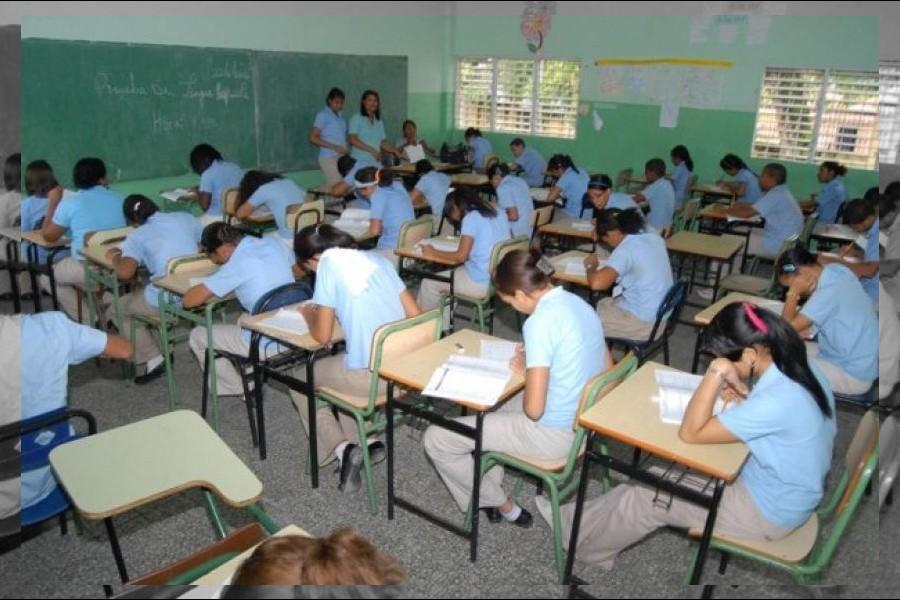 Estudio advierte de la tendencia a la privatización de la política educativa dominicana