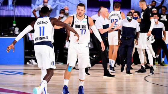 Tiros imposibles y un nuevo récord histórico en la NBA: la inolvidable actuación de Luka Doncic