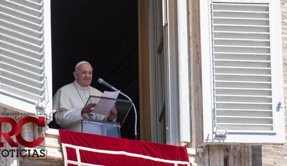 El papa limita las misas en latín