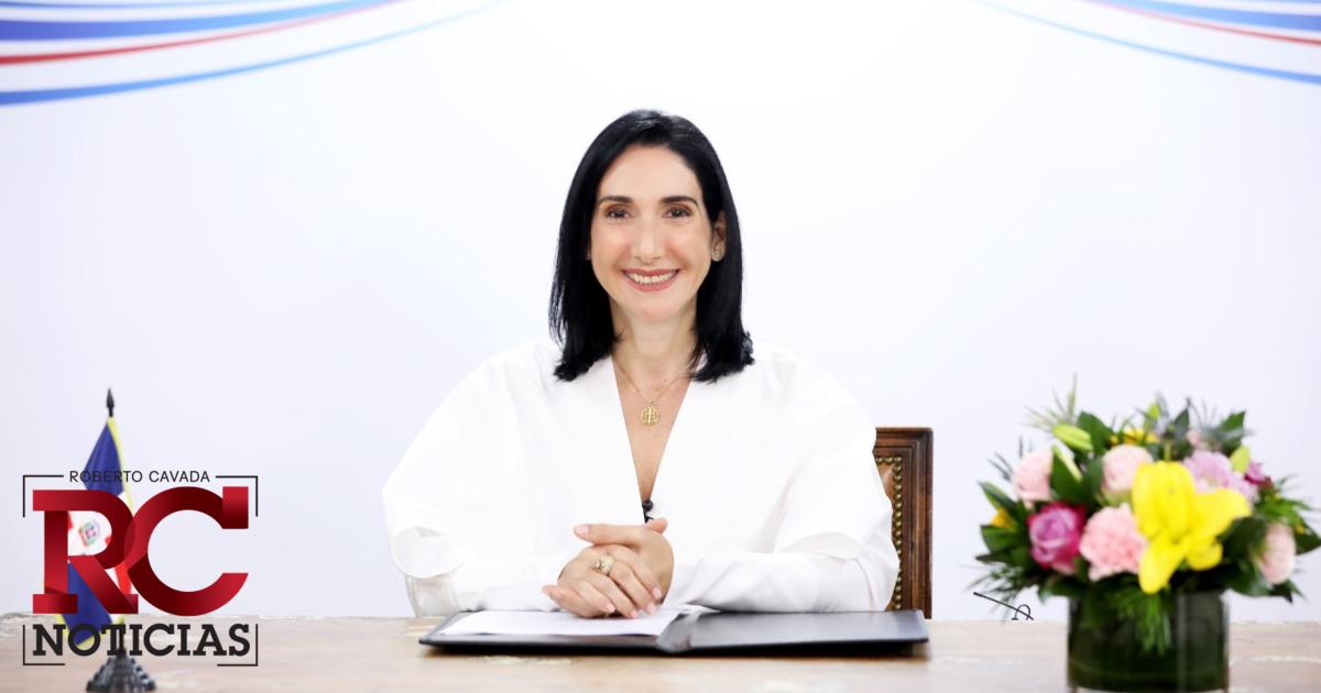 """Raquel Arbaje se muestra indignada ante entrevista de """"El Show de Carlos Duran"""" a Julio Giraldez"""