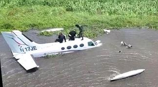 Video | Localizan en lago de Maracaibo aeronave desaparecida, detienen dos dominicanos y un venezolano