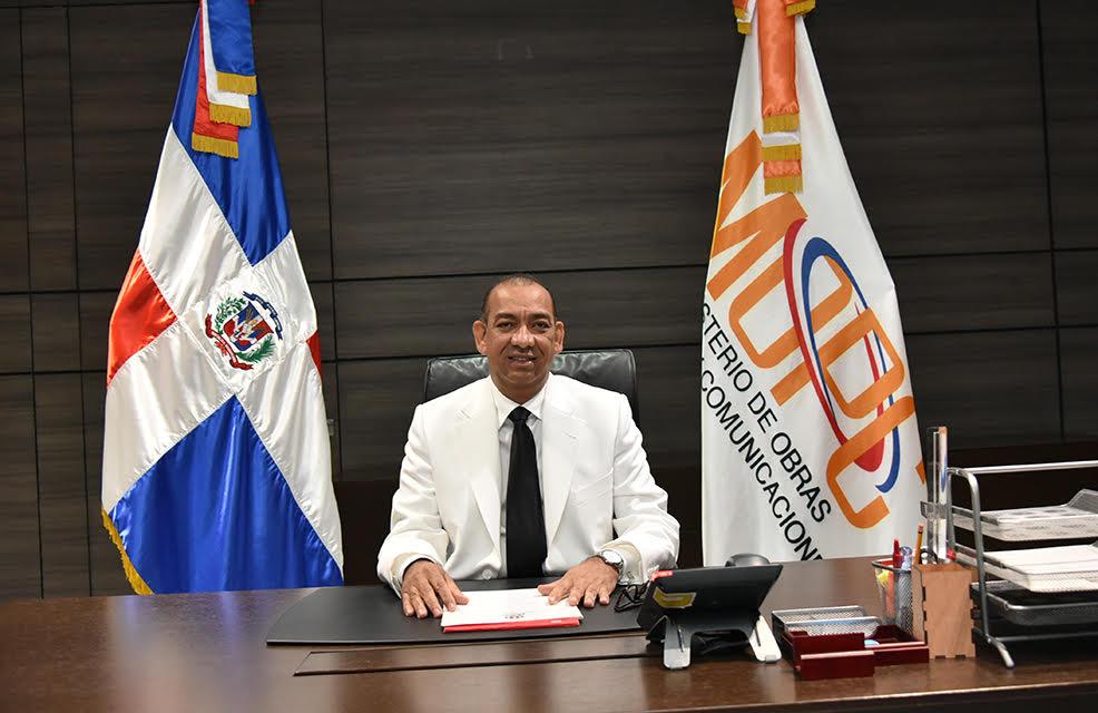 Deligne Ascención solicita a la Cámara de Cuentas realice una auditoría en el Ministerio de Obras Públicas