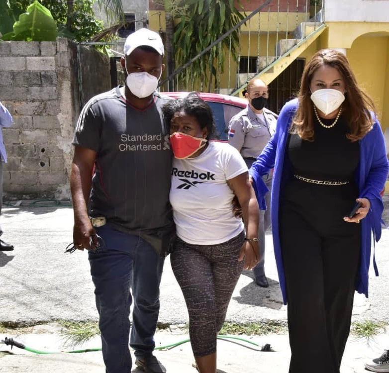 Ministra de la Mujer se solidariza con la familia de la niña Liz María
