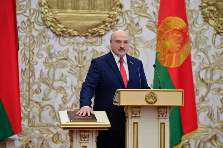 Nuevas protestas en Bielorrusia tras investidura en secreto de Lukashenko