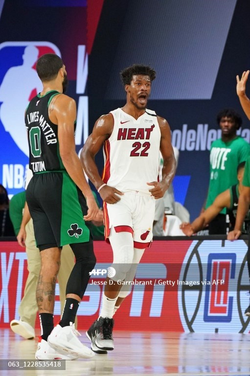 Los Heat ganan a Celtics en la prórroga y se avanzan 1-0 en final del Este