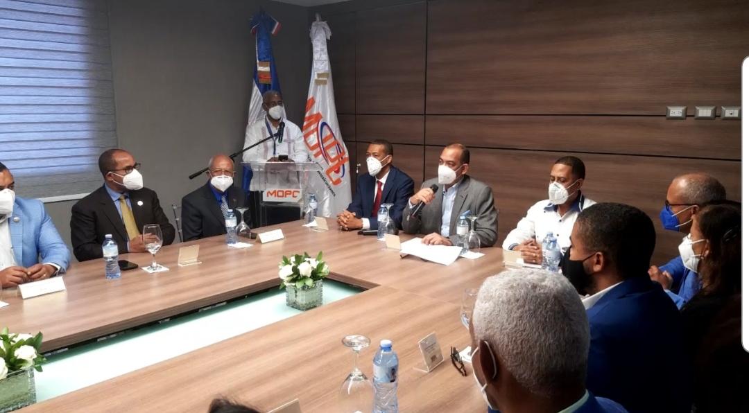 Video   Deligne Ascención anuncia Obras Públicas iniciará más de 200 obras a un costo de 2 mil millones de pesos