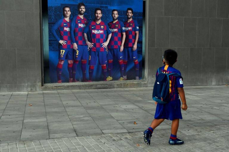 Messi sigue en el Barça, pero se queda sin sus escuderos
