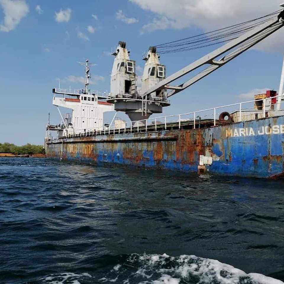 Director  de APORDOM toma rápidas acciones ante denuncia de embarcación abandonada en Manzanillo
