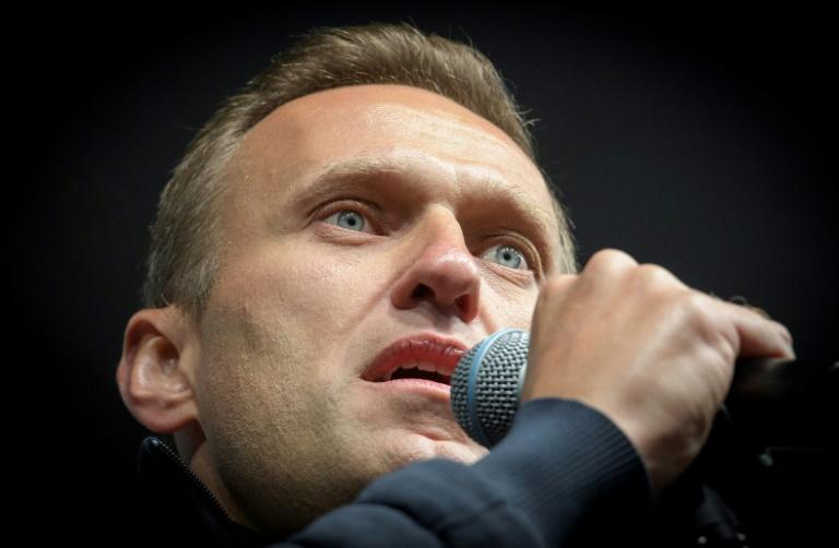 Mejora la salud del opositor ruso Navalni, que salió del coma