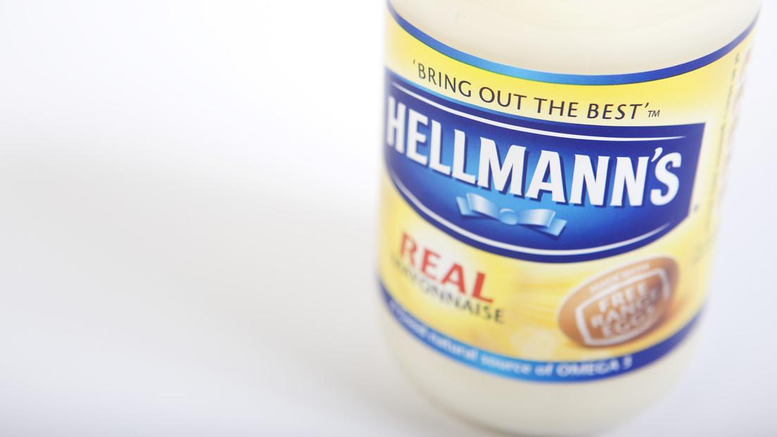 Mujer denuncia que recibió restos de su abuelo en una caja de mayonesa