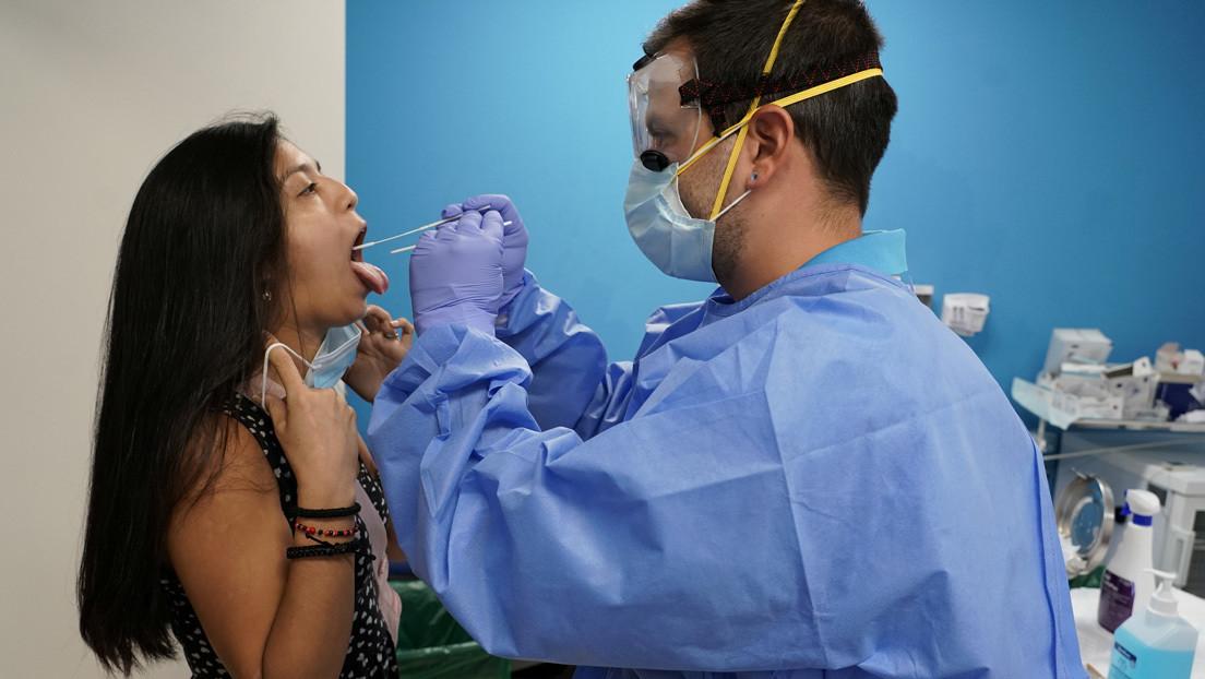 Mujeres, jóvenes y no hospitalizados son quienes más sufren falta de olfato y gusto por covid-19